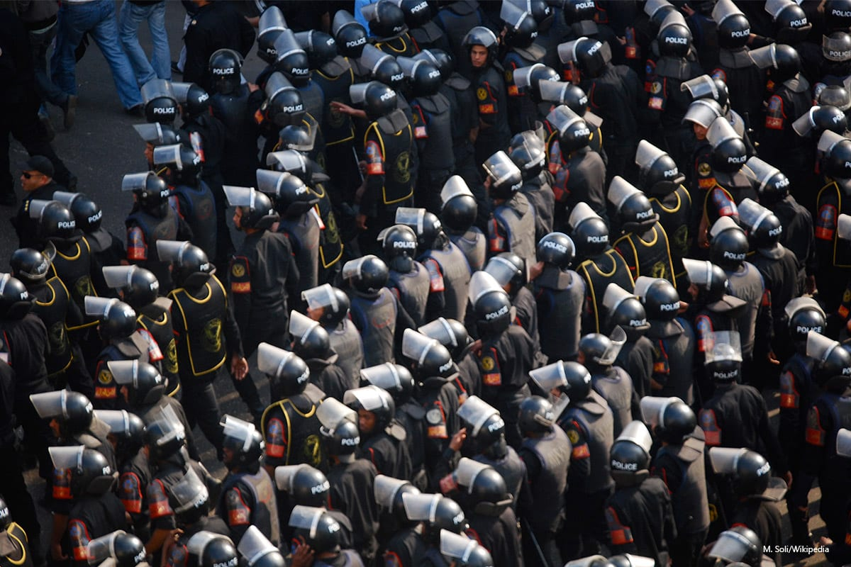 Egyptian Security Forces attempt to control the crowds of protesters during the Egyptian revolution on 25th of January 2011 [M. Soli/Wikipedia]