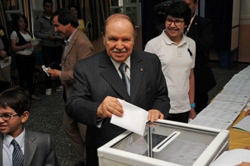 Algerian President Abdelaziz Bouteflika casts his ballot in the legislative elections on May 10, 2012 [Magharebia / Flickr]