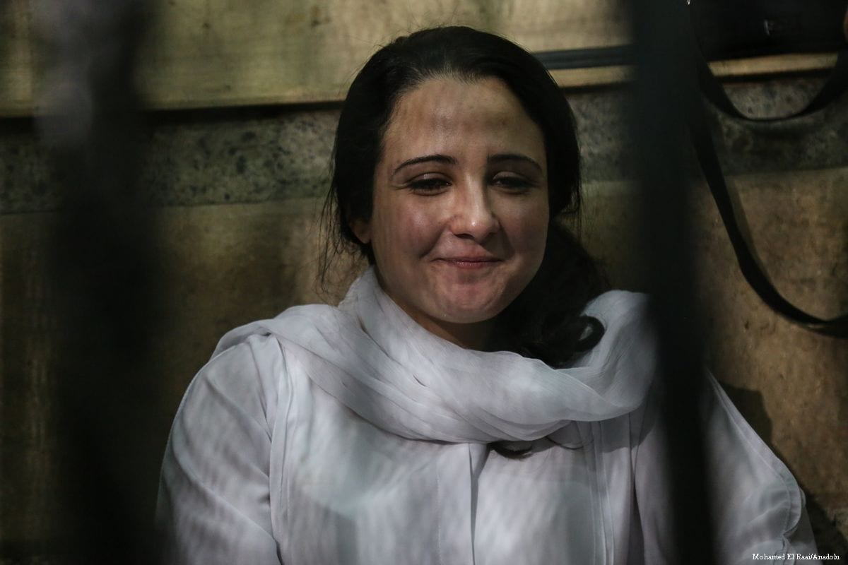 Image of Aya Hijazi is seen in court after being acquitted in Cairo, Egypt, 16 April 2017. ( Mohamed El Raai - Anadolu Agency )