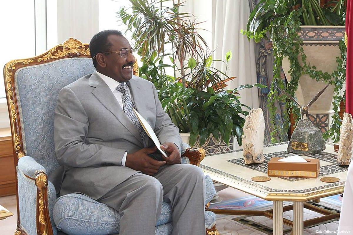 Image of Senior Sudanese official, General Taha Osman Al Hussein on 24 April 2017 [Qatar Tribune/Facebook]