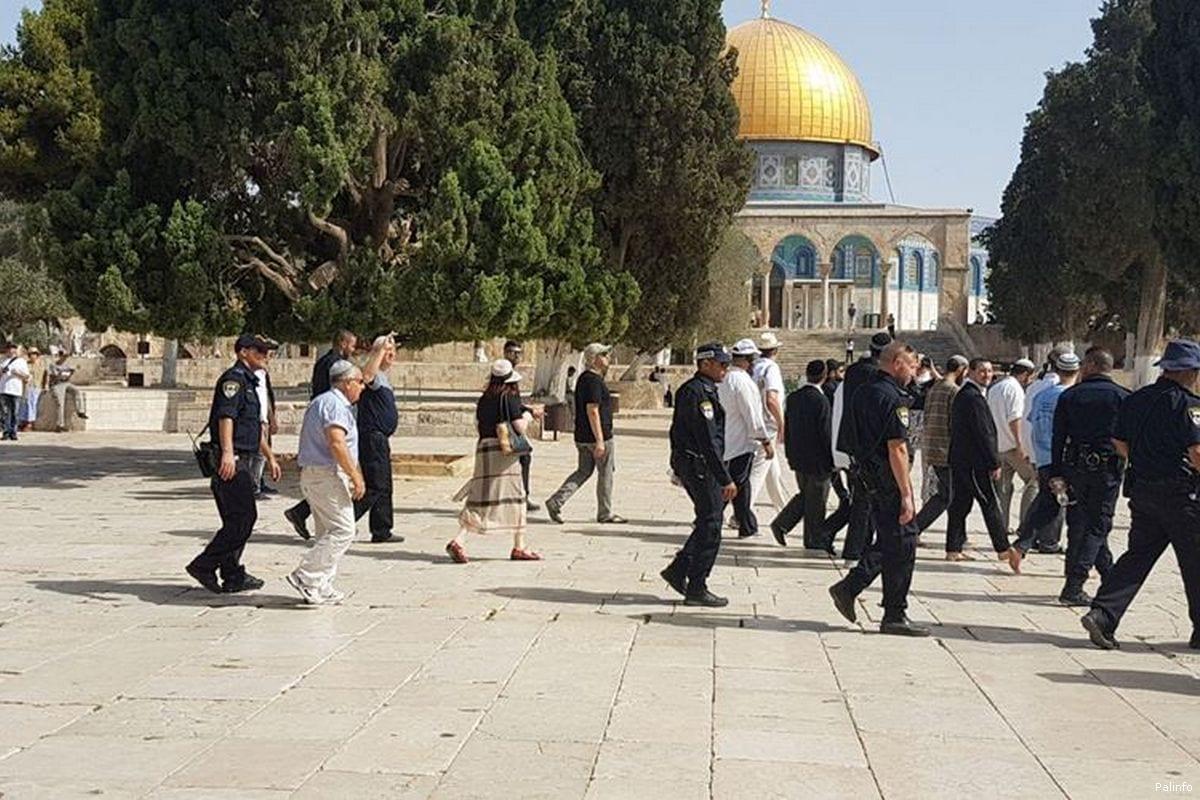 Israeli settlers storm Al-Aqsa Mosque on 13 July 2017. File Photo [Palinfo]