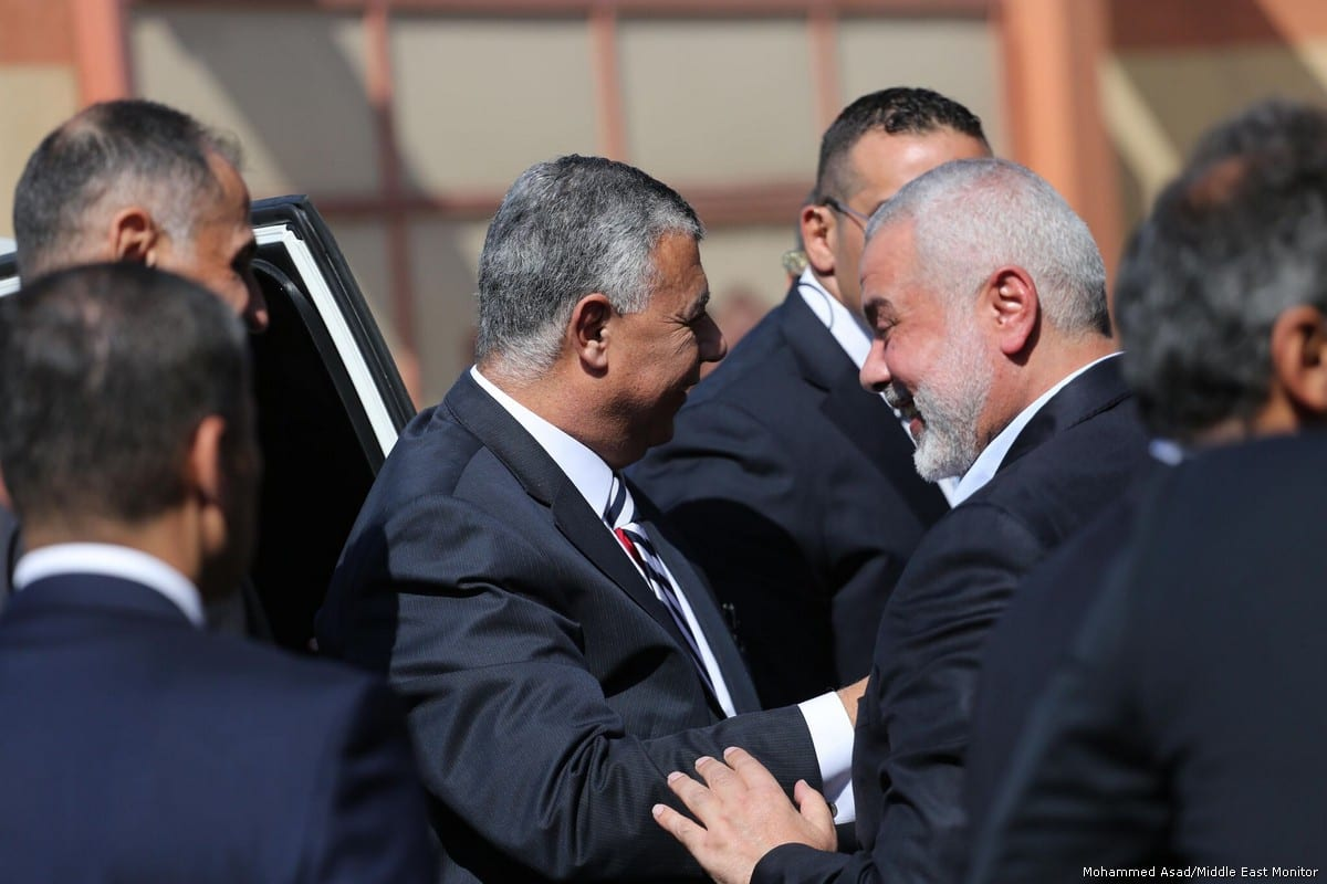 Head of Gaza's political bureau Ismail Haniyeh meets Director of the Egyptian General Intelligence Directorate Khaled Fawzy in Gaza on 3 October 2017 [Mohammed Asad/Middle East Monitor]