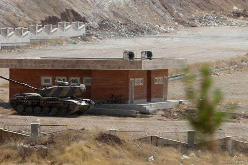 A tank of Iranian Army is deployed near Iraq-Iran border gate, which is closed for one day due to the military drill organised by Iraqi Kurdish Regional Government (IKRG) in Sulaymaniyah, Iraq on 3 October, 2017 [Feriq Fereç/Anadolu Agency]
