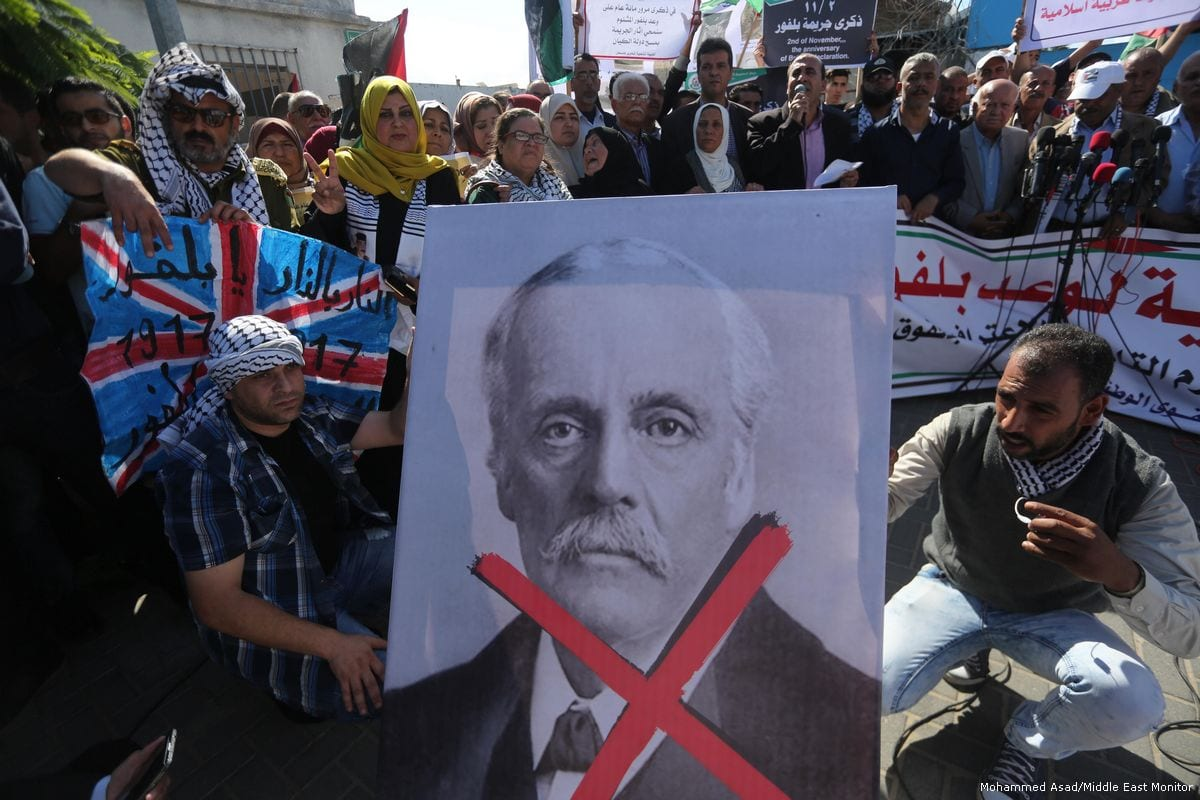 Palestinians gather to protest 100 years since Balfour Declaration on 2 November 2017 [Mohammed Asad/Middle East Monitor]