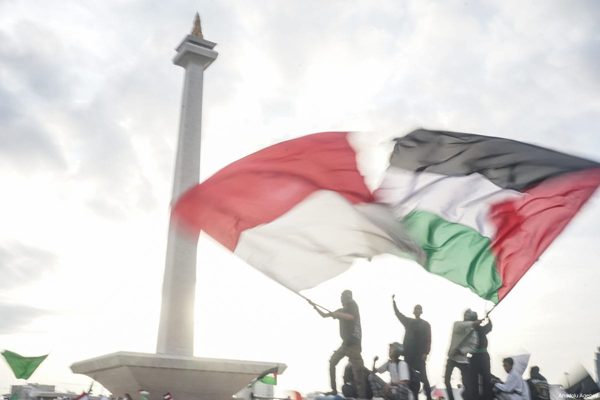 Tens of thousands protest in Indonesia against US Jerusalem move