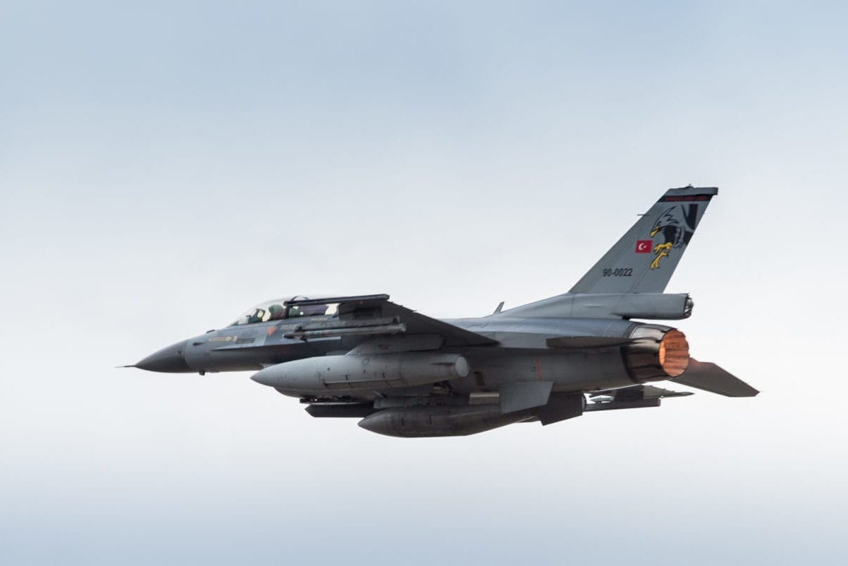 A Turkish F-16 fighter jet flying over Albacete Air Force Base, Spain during Trident Juncture 15 on October 21, 2015 [Cynthia Vernat / Flickr]