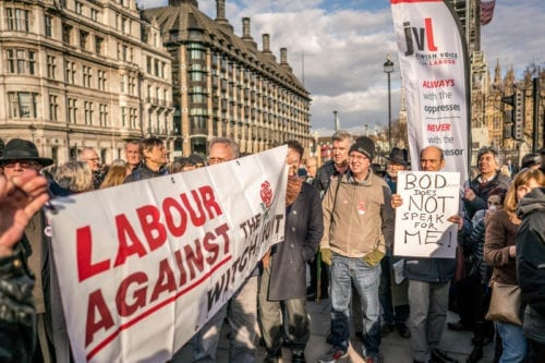 Jewish Voice for Labour supporters demonstrating against false claims of anti-Semitism, in London on 26 March 2018 [Twitter]