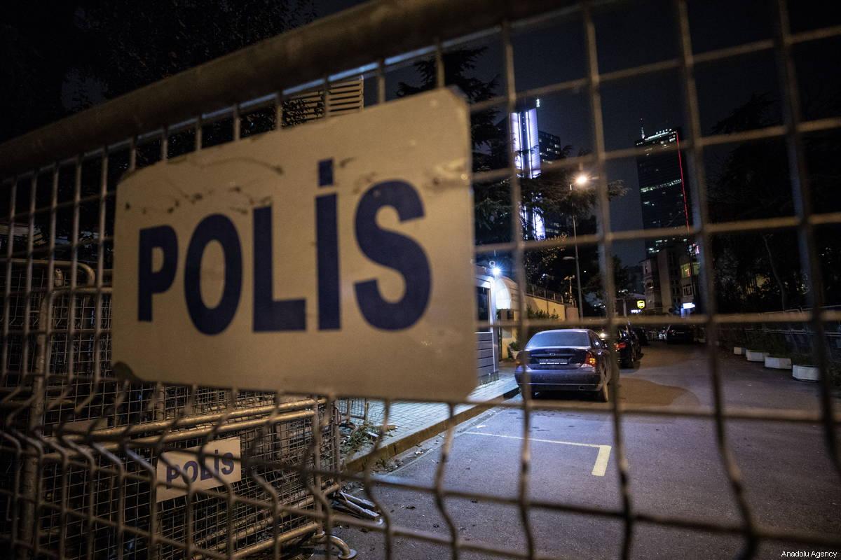 Police barricades in Istanbul, Turkey on 19 October 2018 [Şebnem Coşkun/Anadolu Agency]
