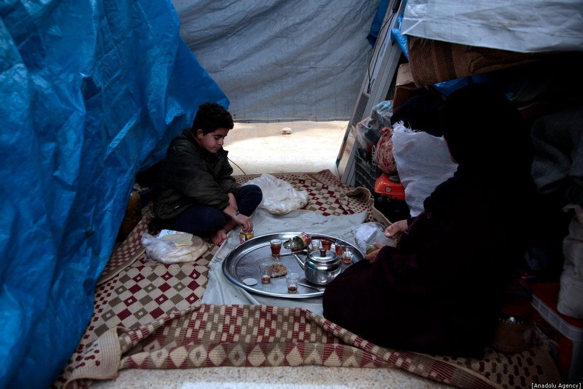 Syrian families take shelter due to bombardments in Idlib, Syria on 28 December 2019 [Lale Köklü Karagöz/Anadolu Agency]