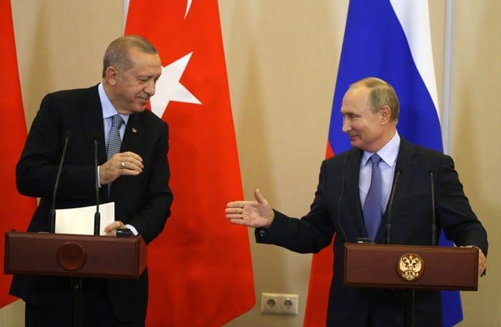 Turkish president, Erdogan (L) and Russian president, Putin (R) [Getty image]
