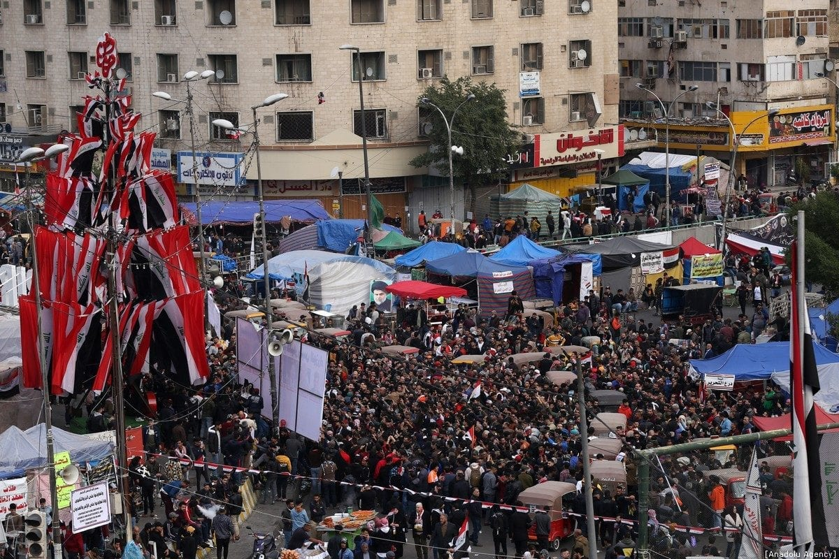 Iraqis continue to take part in anti-government protests at Tahrir Square in Baghdad, Iraq on 10 January 2020. [Murtadha Sudani - Anadolu Agency]