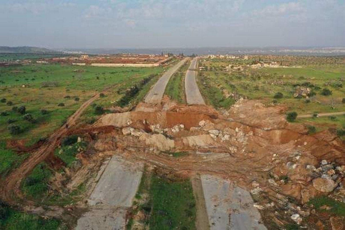 Syrian opposition forces blocked the key M4 highway in the north-western province of Idlib, Syria on 17 March 2020 [On the Ground News/Twitter]