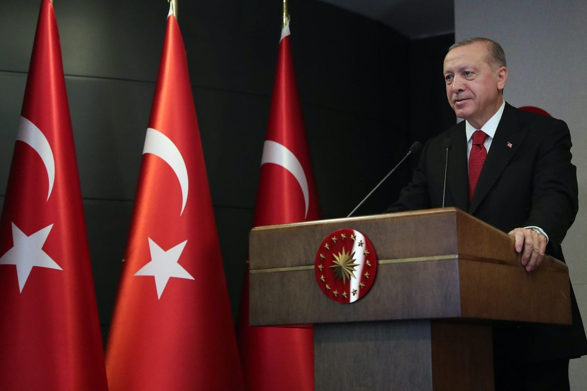 President of Turkey, Recep Tayyip Erdogan attends the completion ceremony of Canakkale 1915 Bridge's 318 meter two towers via video conferencing in Istanbul, Turkey on May 16, 2020 [Mustafa Kamacı / Anadolu Agency]