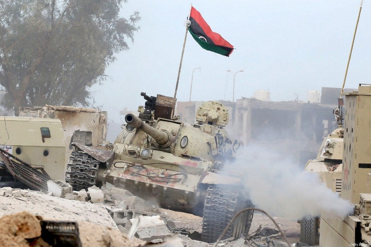 A tank belonging to forces loyal to Libya's Government of National Accord (GNA), the opposing forces to renegade General Khalifa Haftar, seen on 21 November 2016 [MAHMUD TURKIA/AFP/Getty Images]