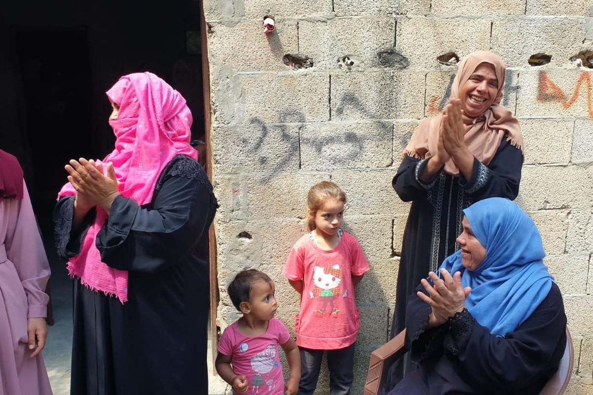Shams celebrating with her family in Khan Younis, 11 July 2020 (photo: Hasan Eslayeh)