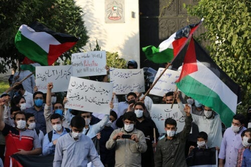Iranian students gather outside the United Arab Emirates' embassy in Tehran, Iran to protest a deal between the United Arab Emirates (UAE) and Israel to normalize ties, on 15 August 2020. [Fatemeh Bahrami - Anadolu Agency]