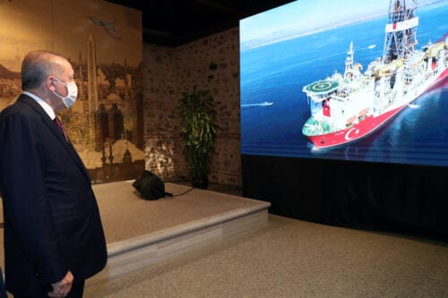 President of Turkey, Recep Tayyip Erdogan watches a briefing on the discovery of a major natural gas reserve off Black Sea coast during a press conference at the Dolmabahce Palace Presidential Work Office in Istanbul, Turkey on 21 August 2020. [TCCB / Murat Çetinmühürdar - Anadolu Agency]