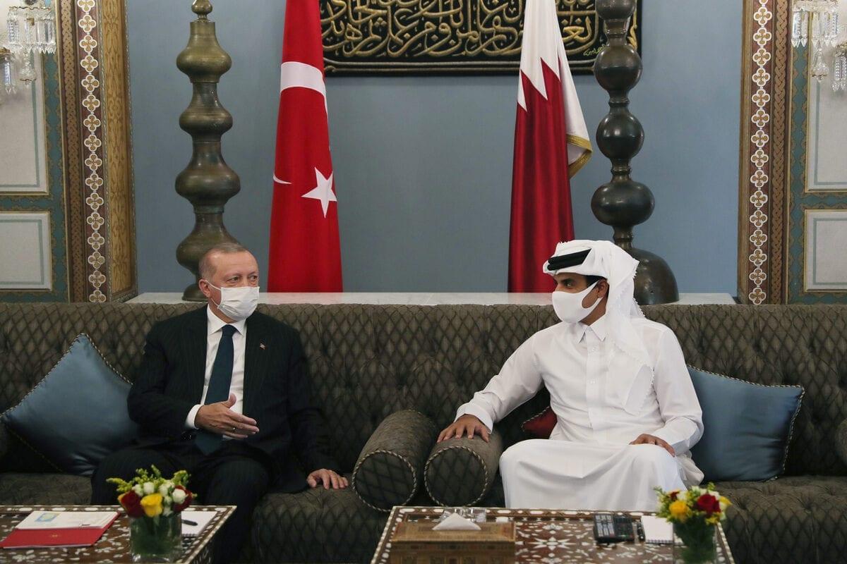 DOHA, QATAR - OCTOBER 07: President of Turkey, Recep Tayyip Erdogan meets Emir of Qatar Sheikh Tamim bin Hamad Al Thani during his visit in Doha, Qatar on October 07, 2020. ( Mustafa Kamacı - Anadolu Agency )