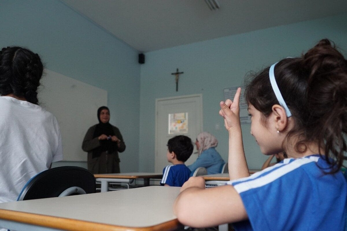 Teaching Arabic lessons in a Brazilian school hired for the purpose (Photo: Eman Abusidu)