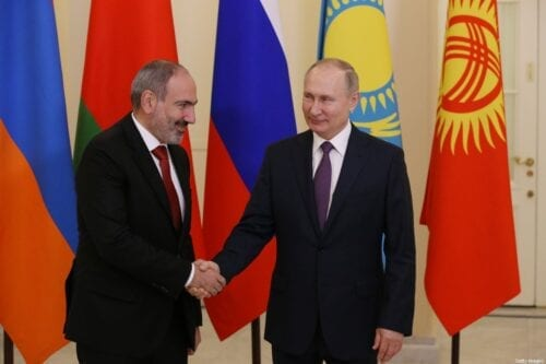 SAINT PETERSBURG, RUSSIA - DECEMBER 20: (RUSSIA OUT) Russian President Vladimir Putin (R) greets Armenian President Nikol Pashinyan (L) during the welcoming ceremonyon December 20, 2019 in Saint Petersburg, Russia. Leaders of post-Soviet states have gathered in St.Petersburg for Summits of Commonwealth of Independent States (CIS) and Eurasian Economic Union (EEU). (Photo by Mikhail Svetlov/Getty Images)
