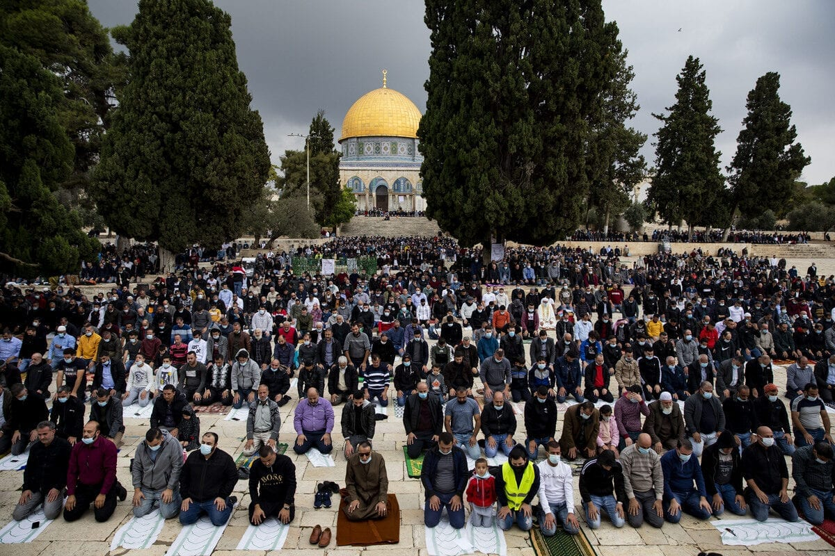 Palestinians gather to perform Friday prayer at Masjid al-Aqsa complex in East Jerusalem's Old City on November 6, 2020 [Mostafa Alkharouf - Anadolu Agency]