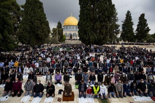 Palestinians gather to perform Friday prayer at Masjid al-Aqsa complex in East Jerusalem's Old City on November 6, 2020 [Mostafa Alkharouf - Anadolu Agency]