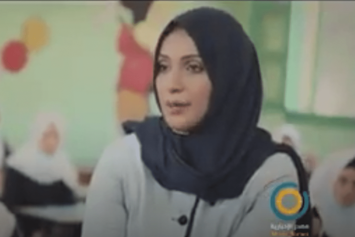 Asma Mustafa, an English Teacher in Halima Al Saadia Intermediate School for Girls won the Global Teacher Award 2020 [Youtube]