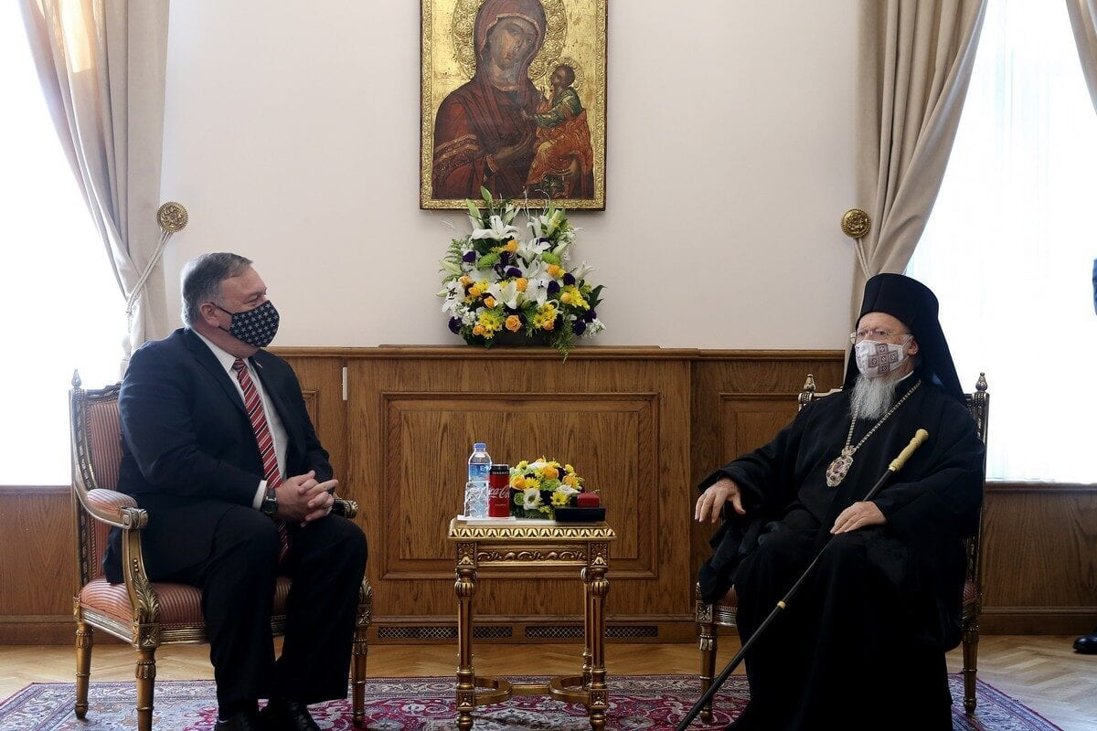 US secretary of state Mike Pompeo (L) meets the Fener-Greek Patriarch Bartholomew I (R) at the the Fener Greek Orthodox Patriarchate in Istanbul, Turkey on 17 November 2020 [İsa Terli/Anadolu Agency]