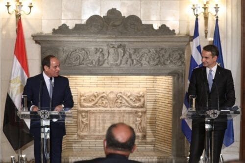 Greek Prime Minister Kyriakos Mitsotakis (R) and Egyptian President Abdel Fattah Al-Sisi in Athens on 11 November 2020 [COSTAS BALTAS/POOL/AFP/Getty Images]