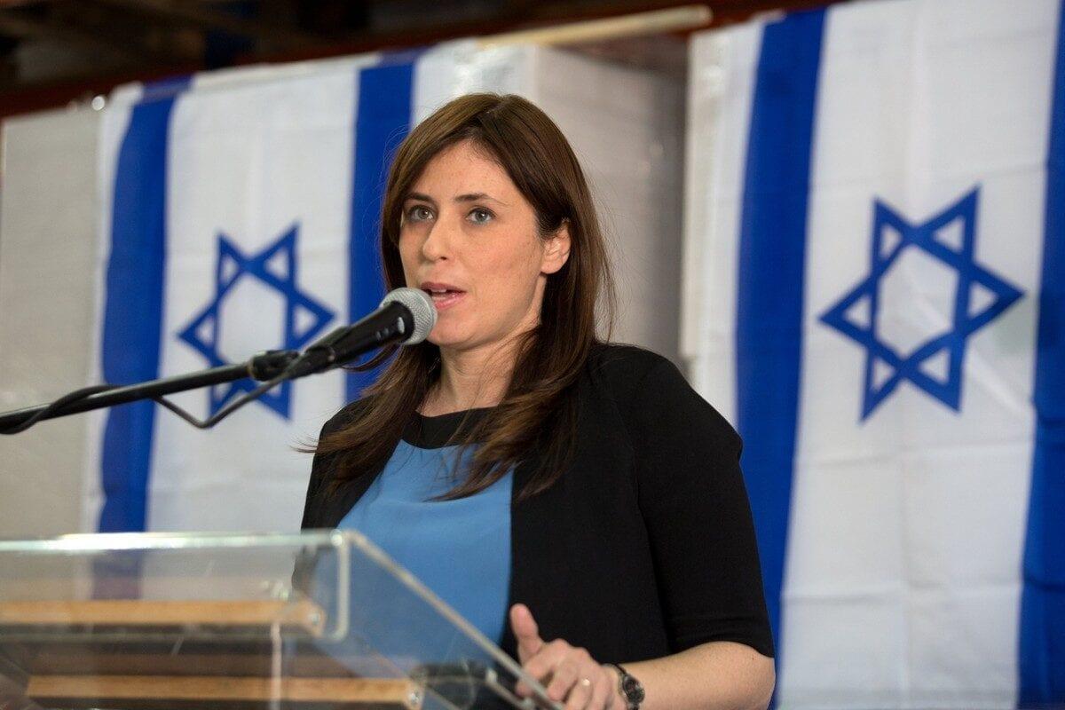 Israeli Ambassador to the UK Tzipi Hotovely in the West Bank on 3 November 2015 [MENAHEM KAHANA/AFP/Getty Images]