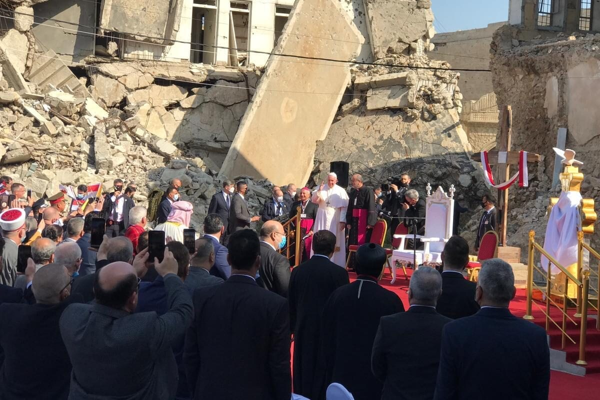 Pope Francis visits Qaraqosh, Christian enclave ruled by Daesh for 3 years