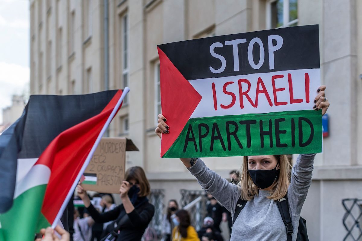 Israel's future is apartheid in a 'solution of the three classes'